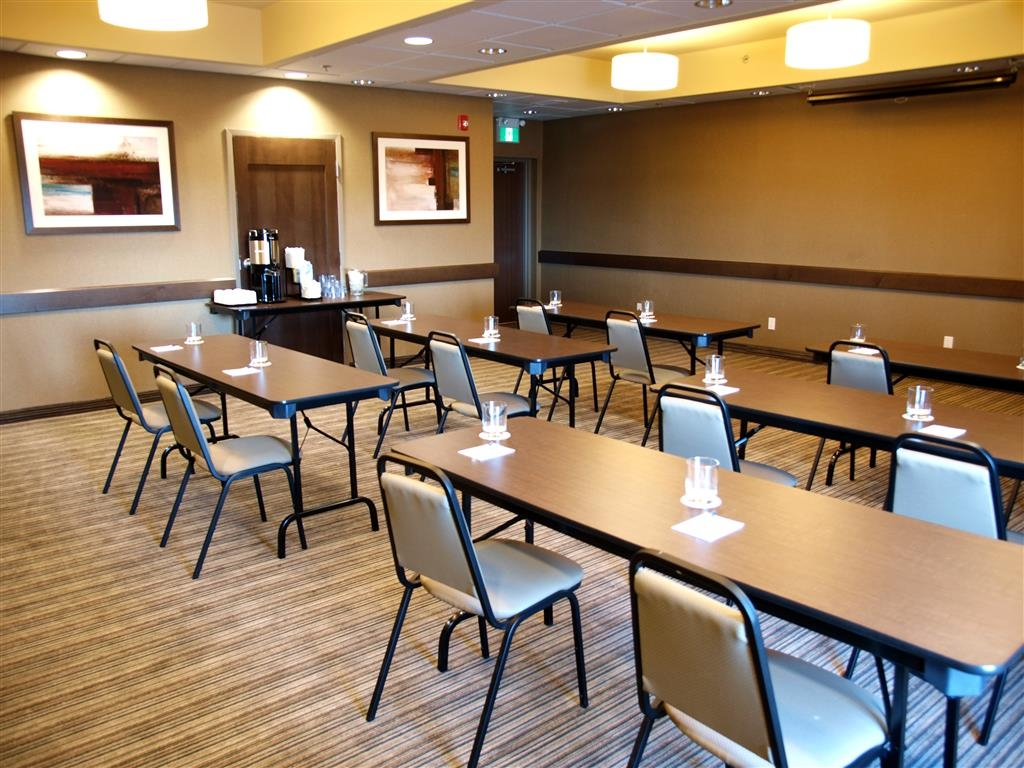 Best Western Plus Winnipeg West - Sala de reuniones