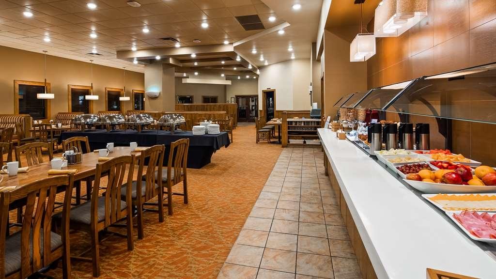 Best Western Plus Winnipeg Airport Hotel - Restaurant / Etablissement gastronomique