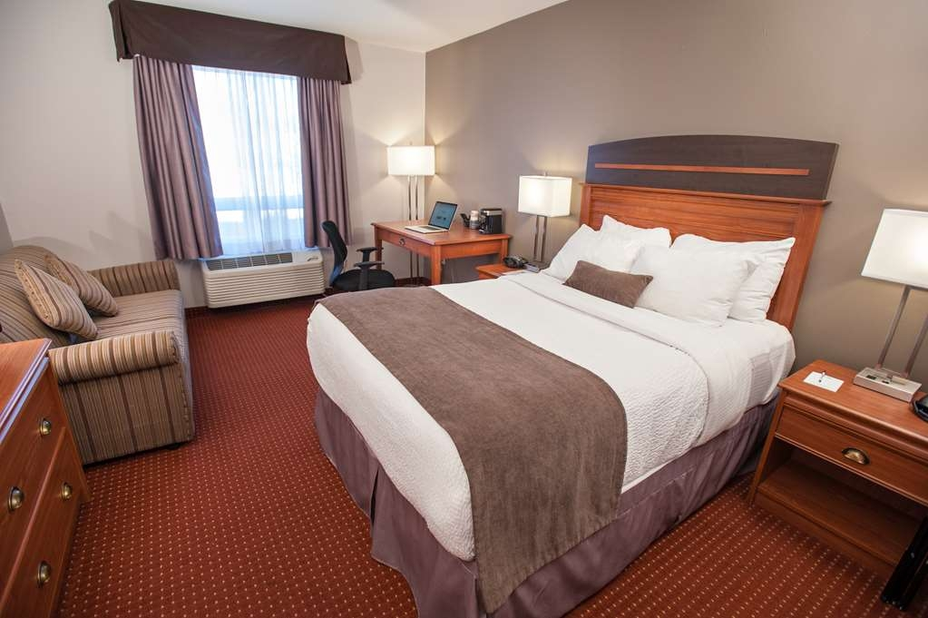 Best Western Plus Moncton - Mobility Accessible 1 Double Room