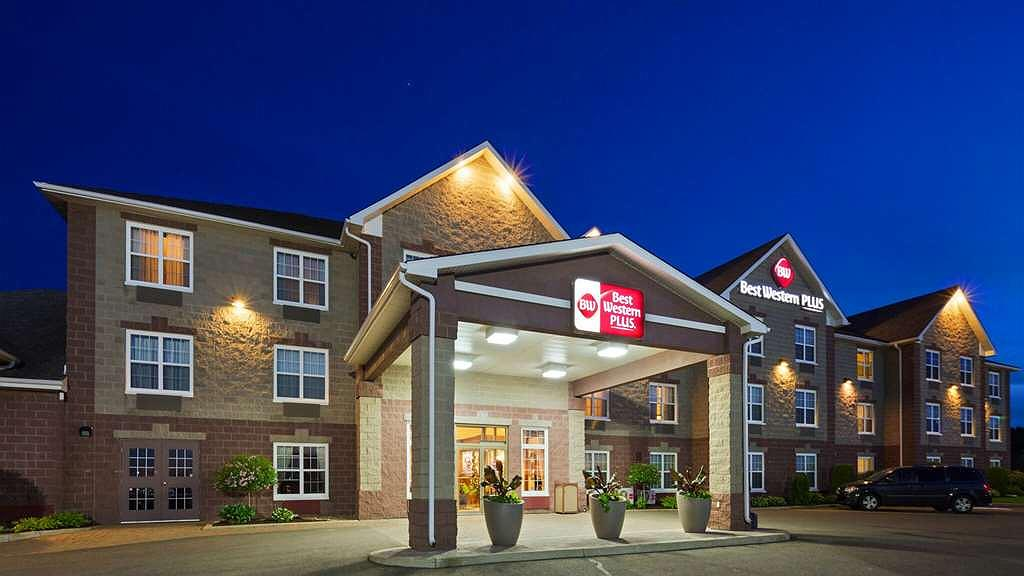 Best Western Plus Grand-Sault Hotel & Suites - Aussenansicht