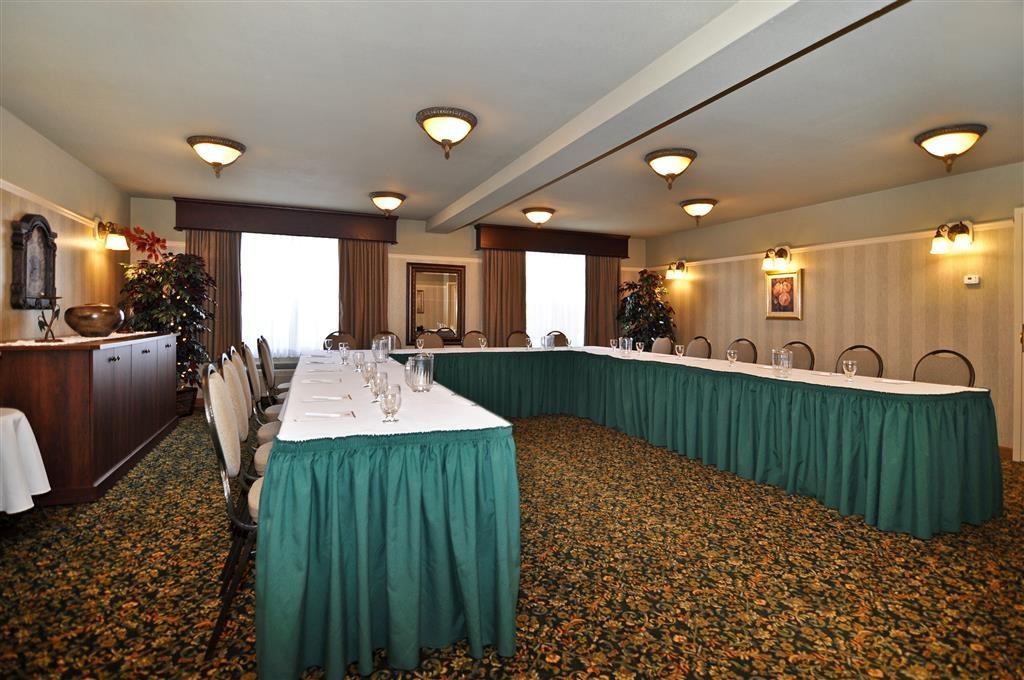 Best Western Plus Grand-Sault Hotel & Suites - Sala de reuniones