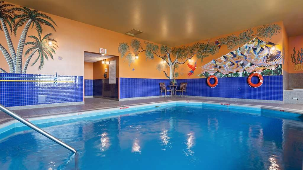 Best Western Plus Grand-Sault Hotel & Suites - Vista de la piscina