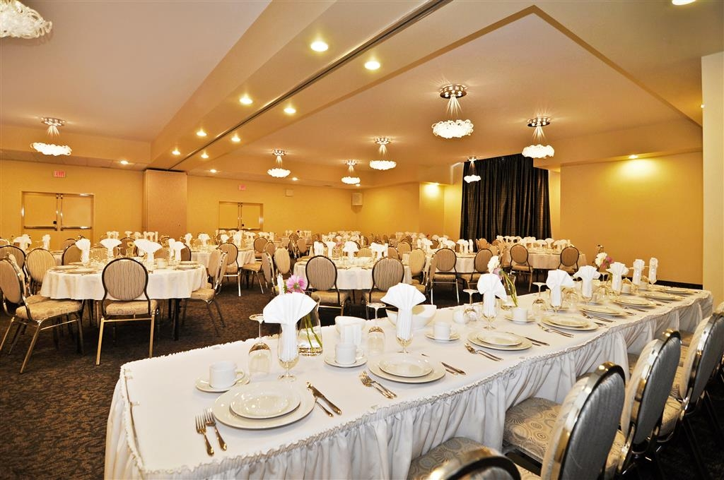 Best Western Plus Woodstock Hotel & Conference Centre - Host a productive business meeting at the Best Western Plus Woodstock Hotel & Conference Centre.