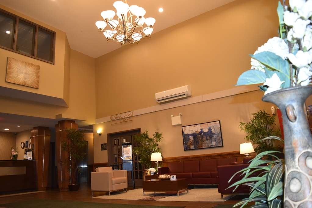 Best Western Plus Saint John Hotel & Suites - You can access our front desk, 24/7 business center, breakfast room and city information all from our hotel lobby.