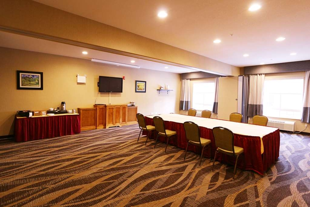 Best Western Plus Saint John Hotel & Suites - Our meeting rooms are great for all kinds of needs, ranging from boardroom meetings, seminars, training to smaller receptions. Ask for our catering menu!