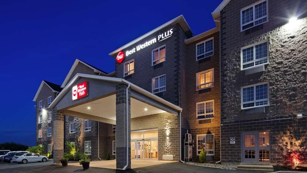 Best Western Plus Saint John Hotel & Suites - Außenansicht