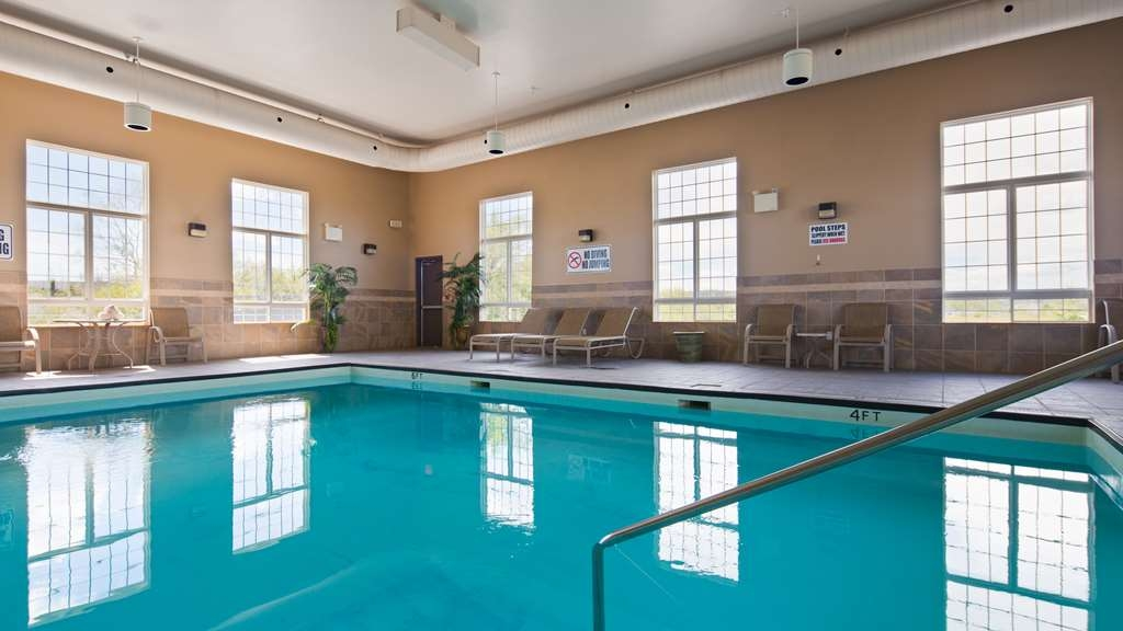 Best Western Plus Saint John Hotel & Suites - Come and splash in our indoor heated pool open all year round.