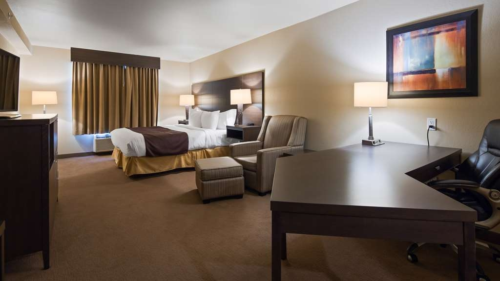 Best Western Plus Saint John Hotel & Suites - King Executive Room