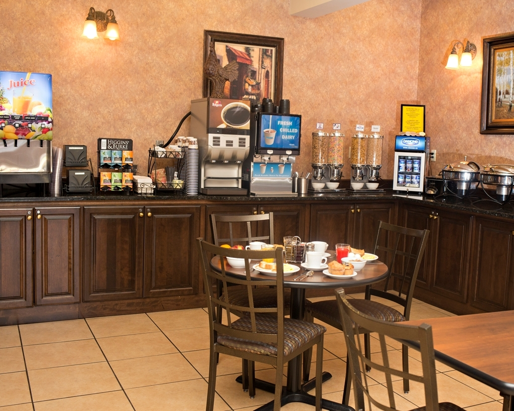 Best Western Plus Fredericton Hotel & Suites - Area colazione