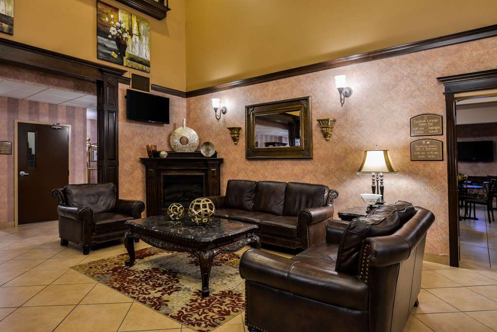 Best Western Plus Fredericton Hotel & Suites - Hall