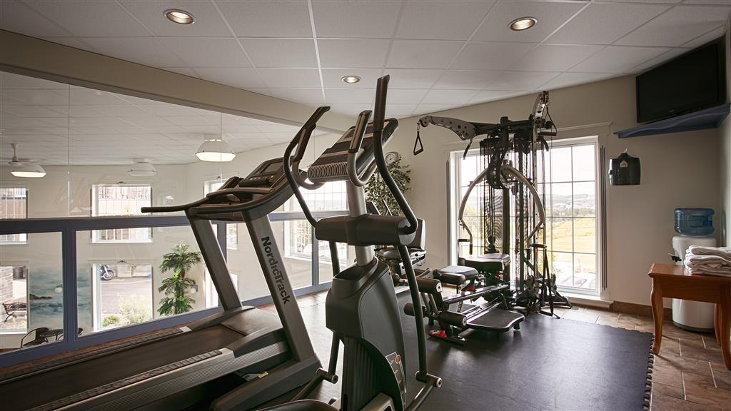 Best Western Plus Edmundston Hotel - Work out in our fully equipped fitness center featuring a treadmill, elliptical and recumbent bike.