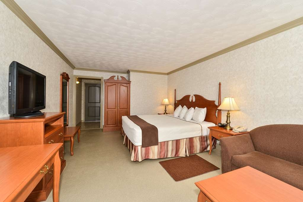 Best Western Plus Edmundston Hotel - KIng sofabed
