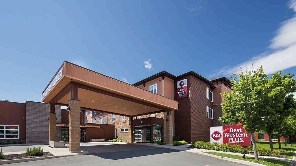 Best Western Plus Bathurst Hotel & Suites - Aussenansicht