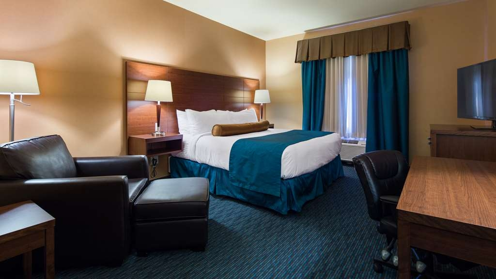 Best Western Plus Bathurst Hotel & Suites - We offer a variety of bedrooms from standard and mobility accessible to suites.