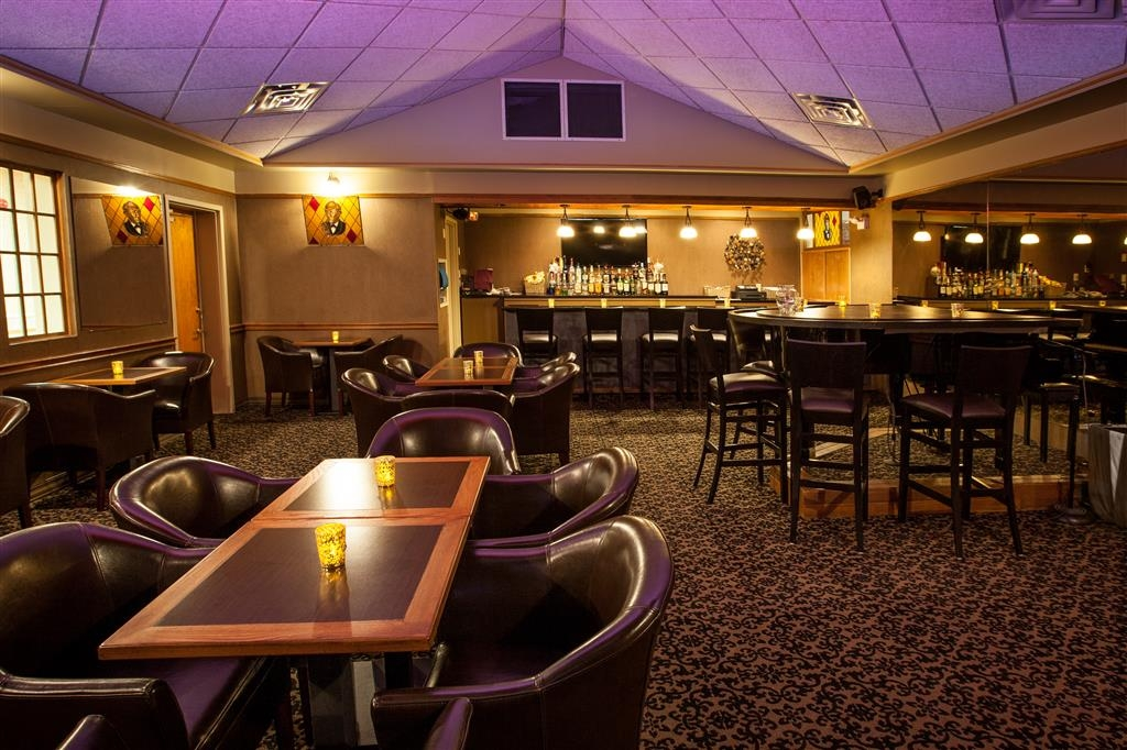 Best Western Truro - Glengarry - Our on-site Sherlock's Lounge offers a variety of tasty food and drink options, including a selection of draft beer.