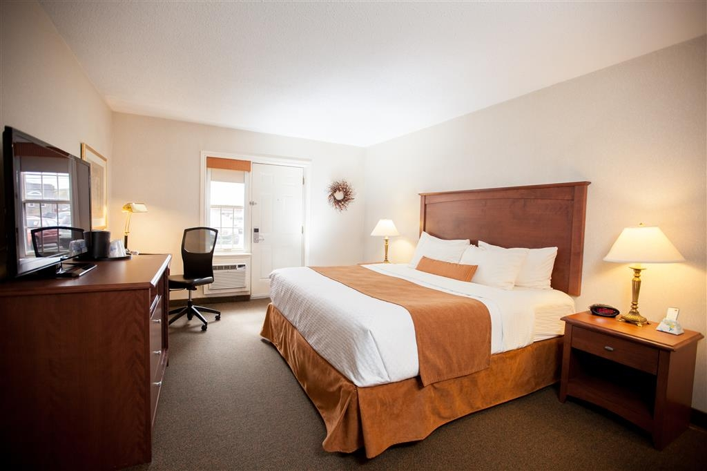 Best Western Truro - Glengarry - This room is located on the main floor with doors to access this room.