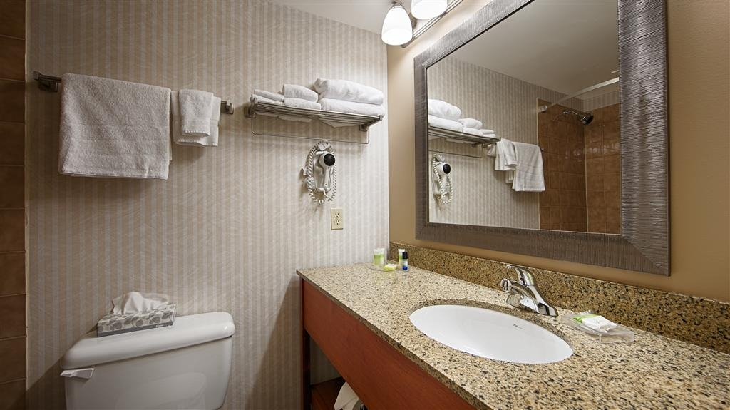 Best Western Truro - Glengarry - All guest bathrooms have a large vanity with plenty of room to unpack the necessities.