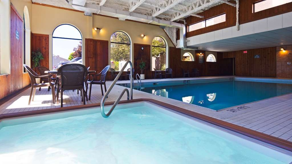 Best Western Truro - Glengarry - Take a well-deserved break in our relaxing hot tub.