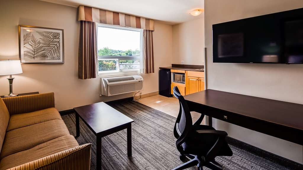 Best Western Plus Chocolate Lake Hotel - Suite