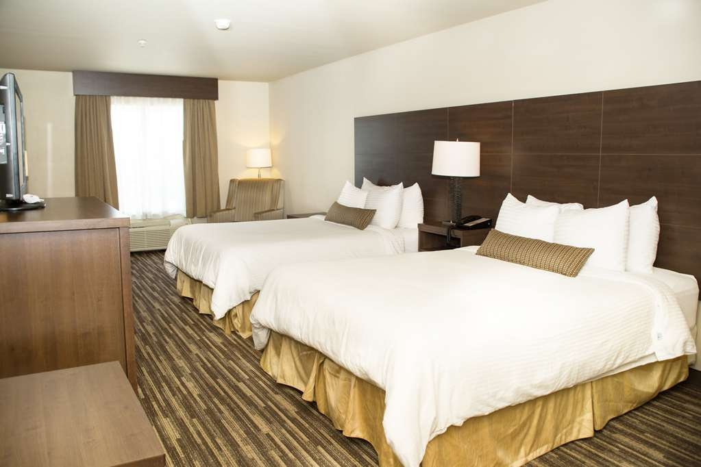 Best Western Plus Dartmouth Hotel & Suites - We offer a variety of double queen bedrooms.