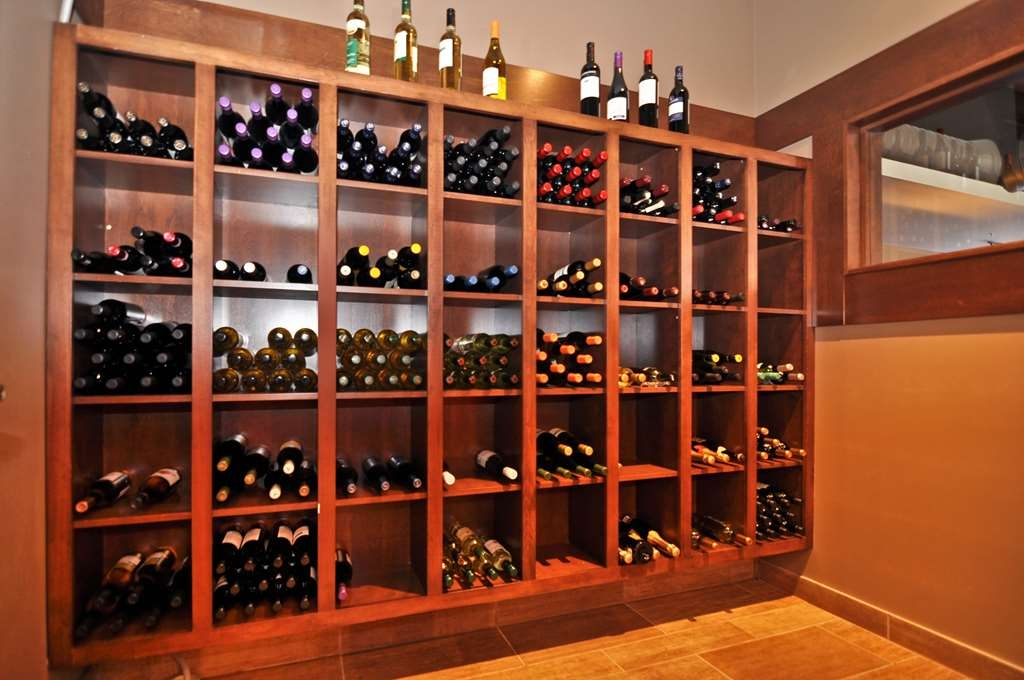 Best Western Plus Dartmouth Hotel & Suites - Visit Trendz Restaurant and Wine Bar to have a glass of wine from their extensive list of superior wines.