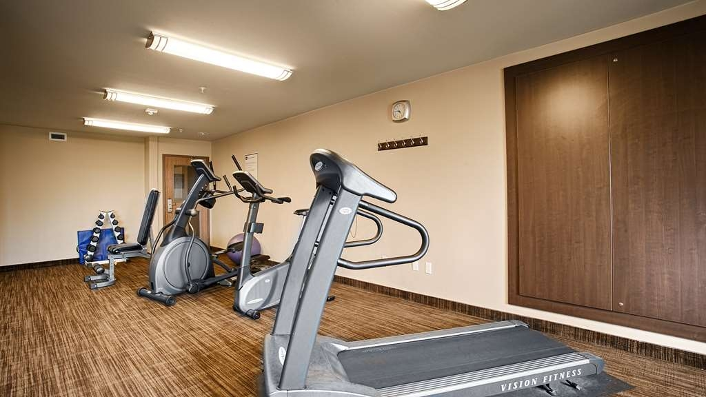 Best Western Plus Dartmouth Hotel & Suites - Our fitness center allows you to keep up with your home routine even when you are not at home.