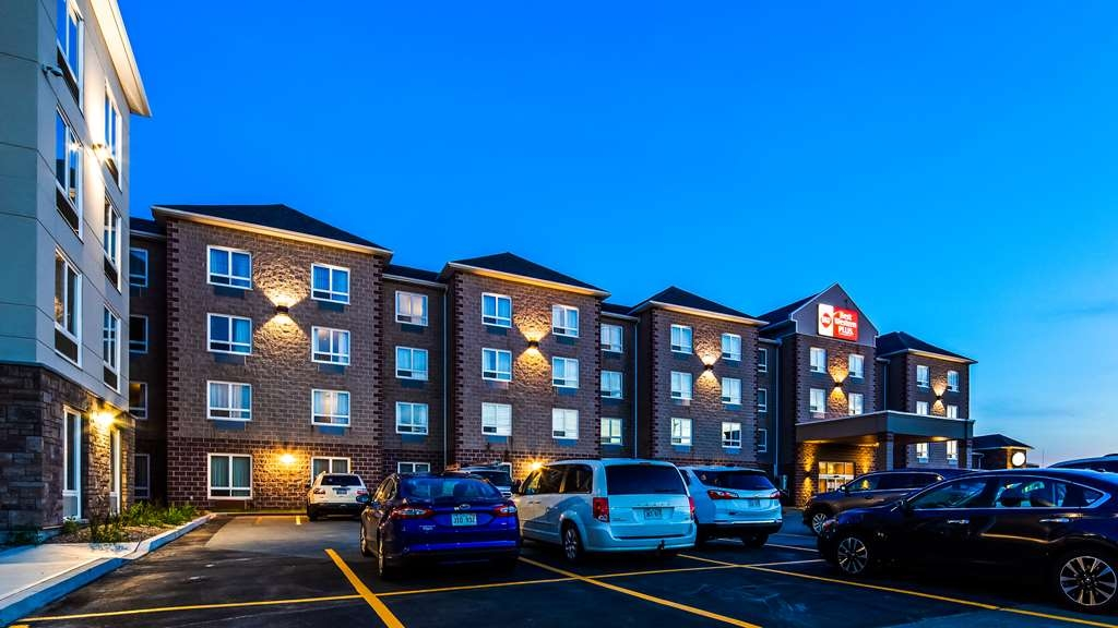Best Western Plus Dartmouth Hotel & Suites - Hotel Exterior