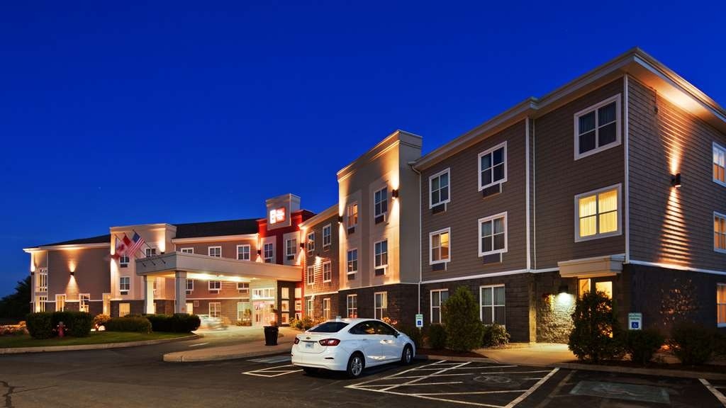Best Western Plus Bridgewater Hotel & Convention Centre - Vista Exterior