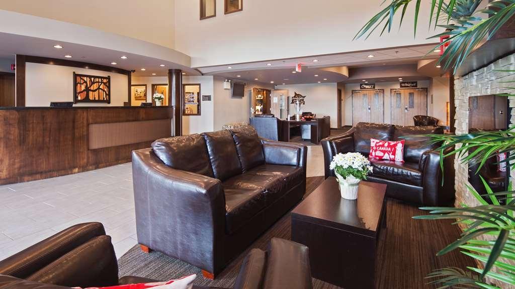 Best Western Plus Bridgewater Hotel & Convention Centre - Vista del vestíbulo