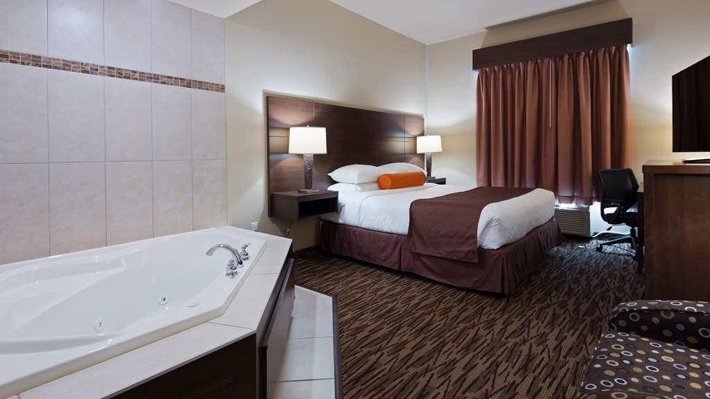Best Western Plus Bridgewater Hotel & Convention Centre - Suite