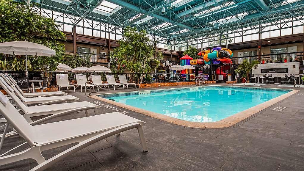 hotels with indoor pools in san antonio tx