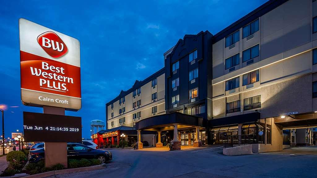 Hotel in Niagara Falls | Best Western Plus Cairn Croft Hotel