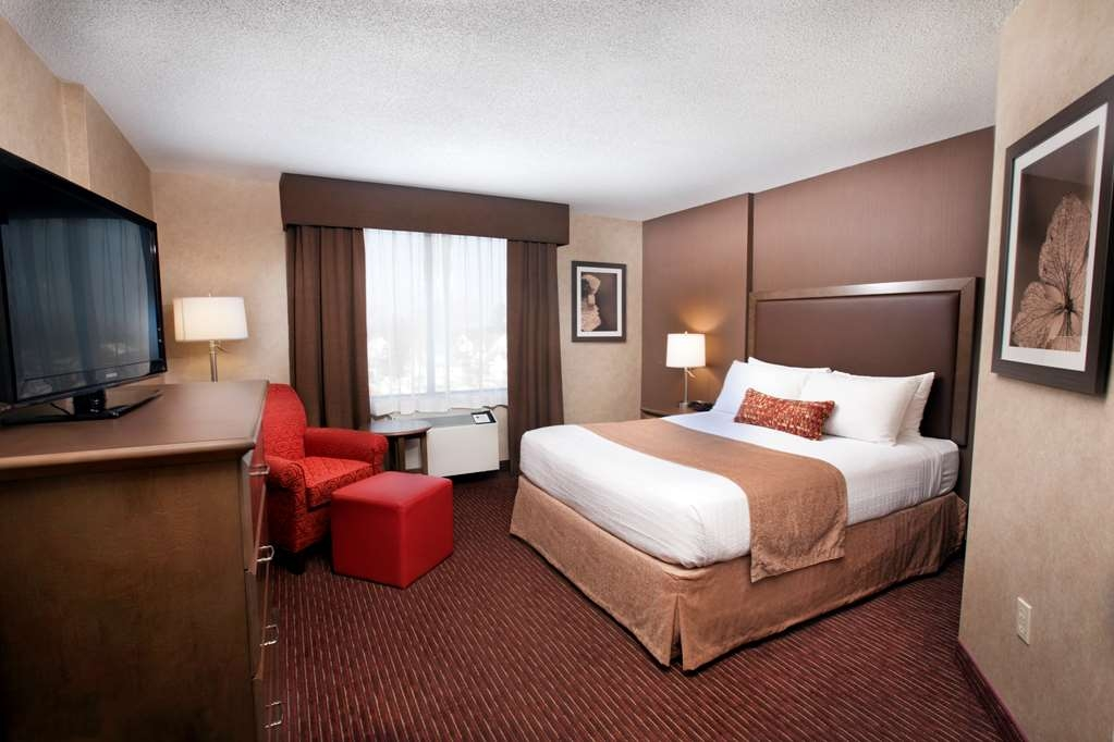 Best Western Plus Cairn Croft Hotel - Comfortable and relaxing guest rooms, all with refrigerators.