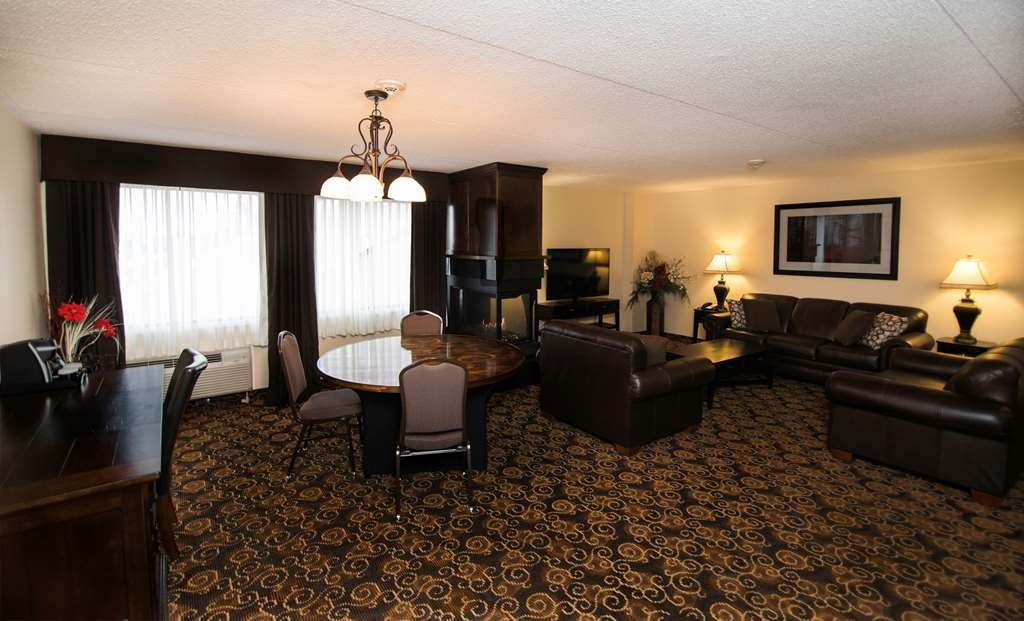 Best Western Plus Dryden Hotel & Conference Centre - Suite