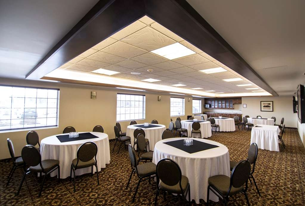 Best Western Plus Dryden Hotel & Conference Centre - Choose from one of our 7 modern appointed meeting spaces.