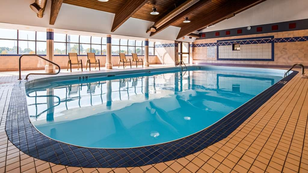 Best Western Plus Dryden Hotel & Conference Centre - Vue de la piscine