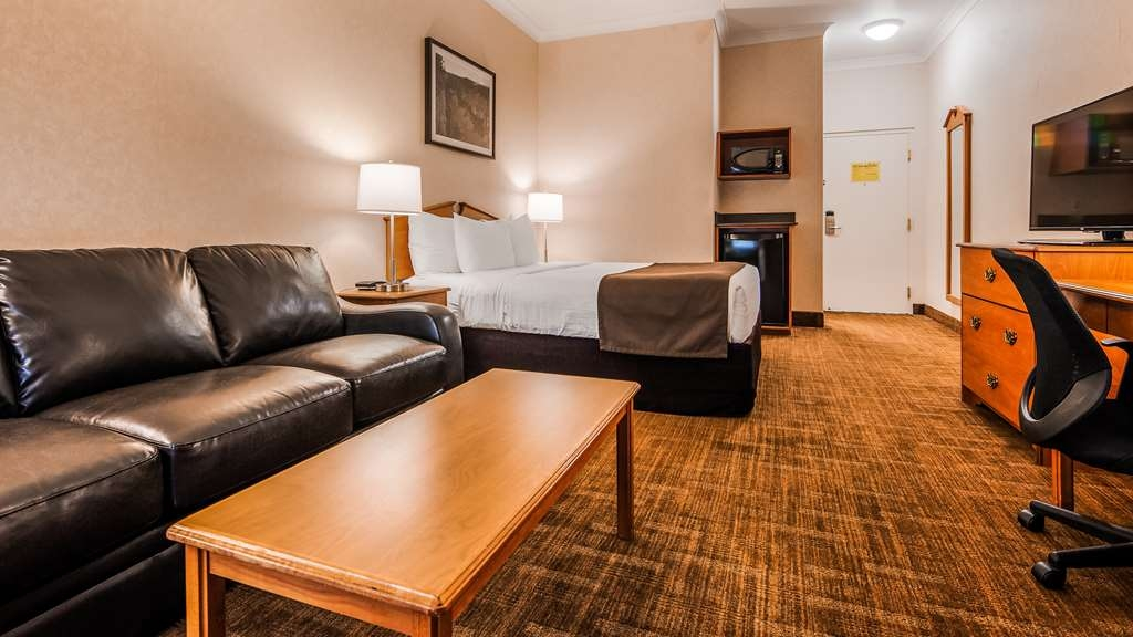 Best Western Thunder Bay Crossroads - Business Floor - 1 Queen bed, with a Queen Sofa - This room is NOT Pet Friendly