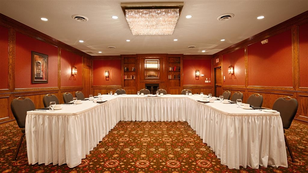 Best Western Plus Guildwood Inn - We can host your next business meeting, wedding or trade-show. Please contact our front desk for more information.