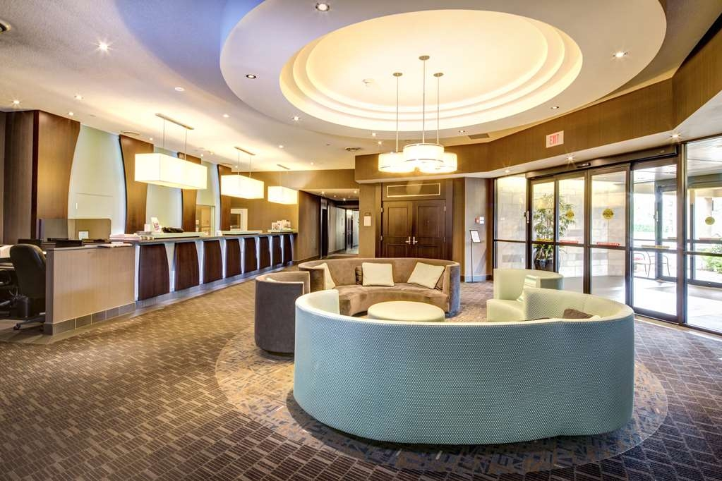 Best Western Plus Guildwood Inn - Our modern new lobby is the perfect place to meet.