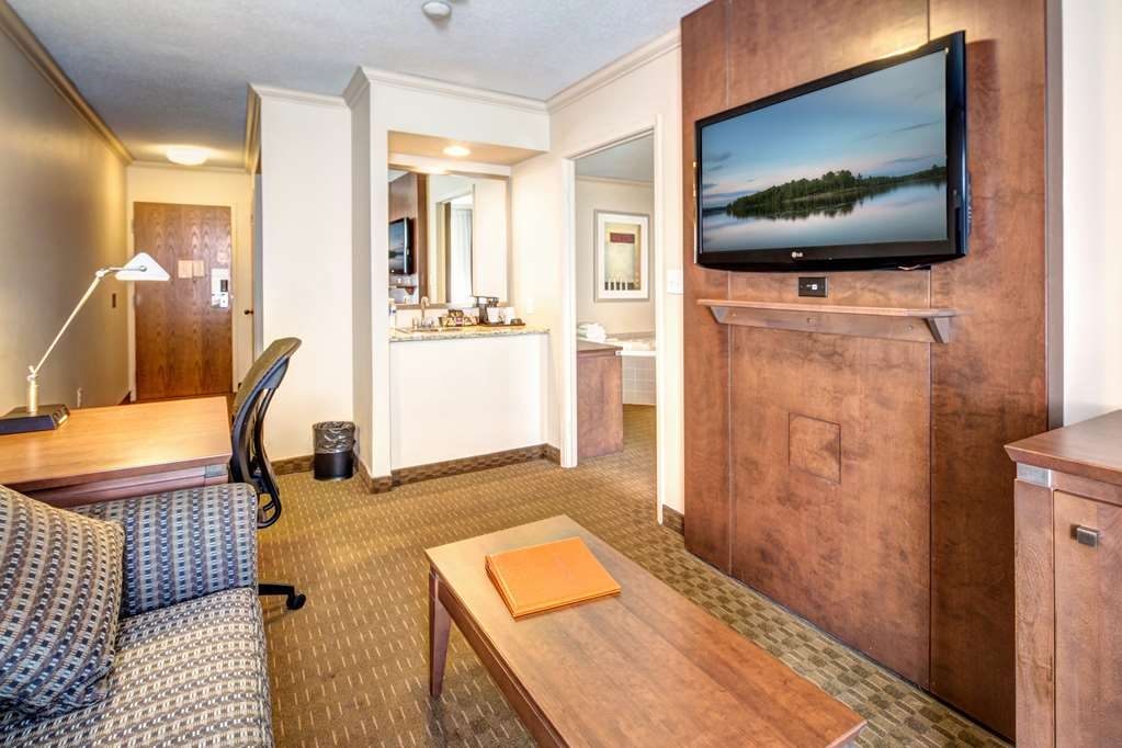 Best Western Plus Guildwood Inn - Suite