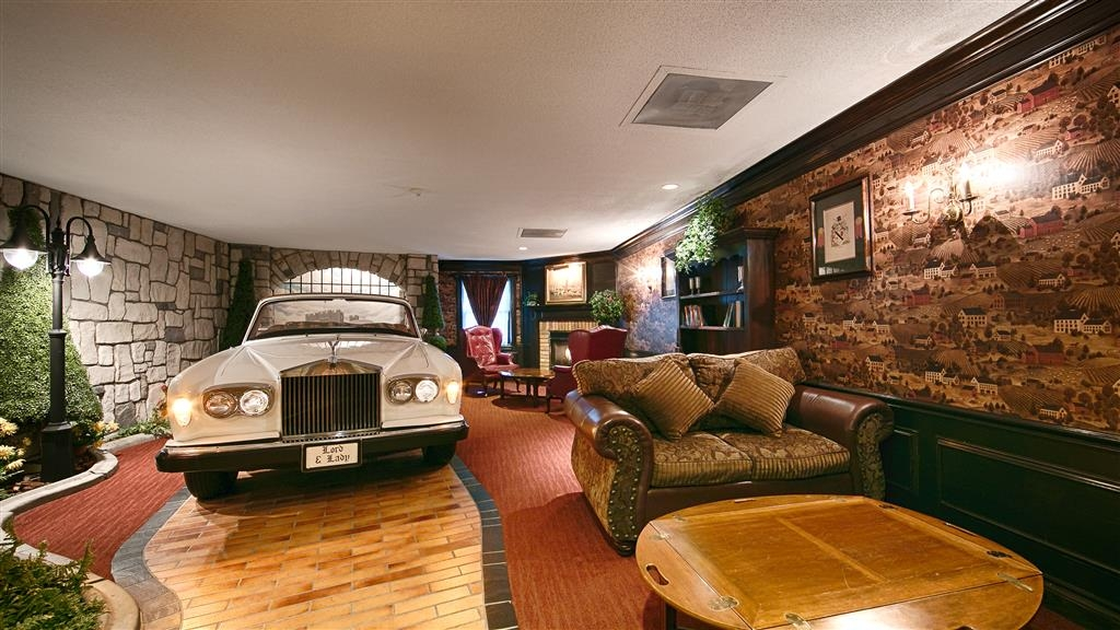 Best Western Fireside Inn - Sleep in luxurious style in your 77' Silver Shadow Rolls Royce.