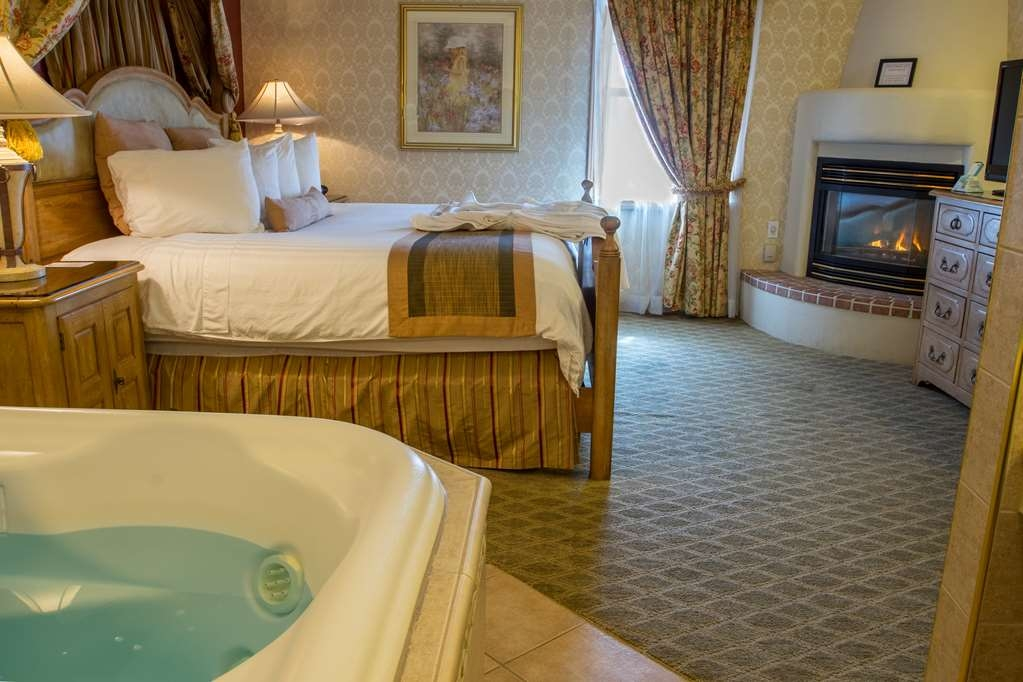 Best Western Fireside Inn - Our Renaissance Suite Bedroom