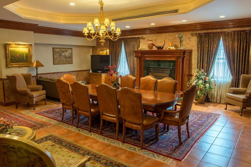 Best Western Fireside Inn - Dining/Meeting Space in our Renaissance Suite
