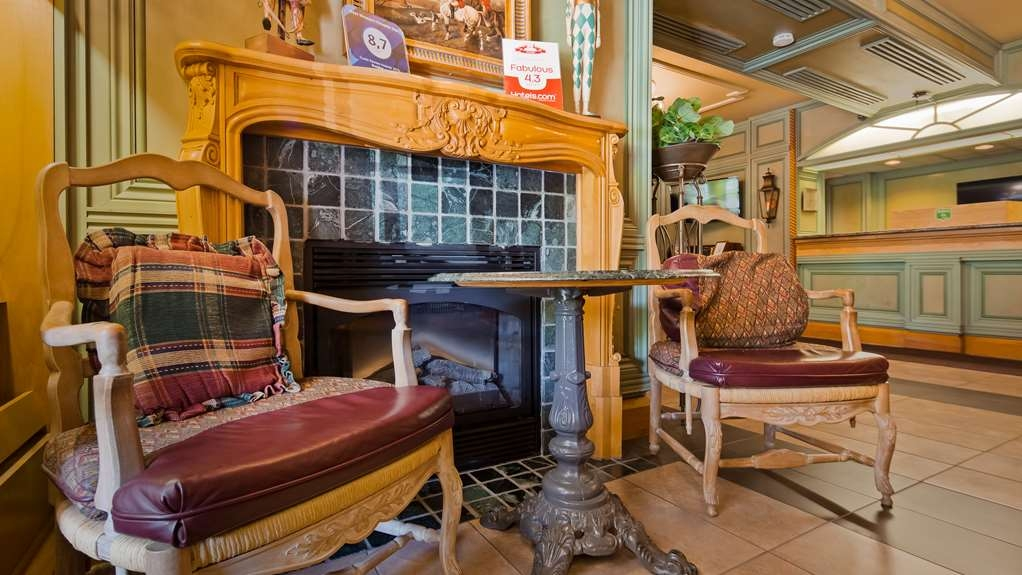 Best Western Fireside Inn - Seating area located in our Front Lobby