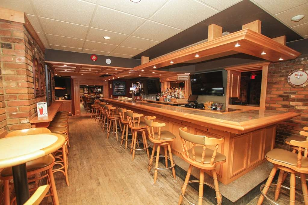 Best Western Parkway Inn & Conference Centre - Winner's Sports Bar located on the lower level open daily from 11am