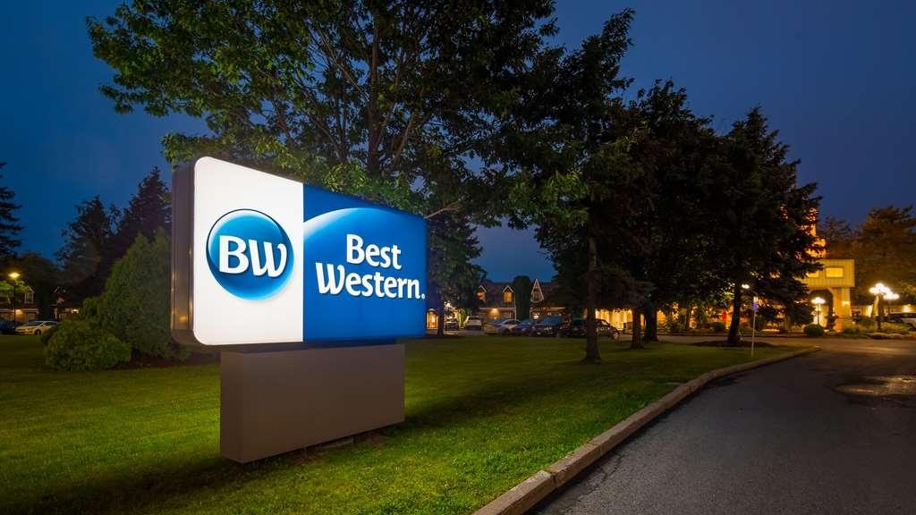 Best Western Parkway Inn & Conference Centre - Außenansicht