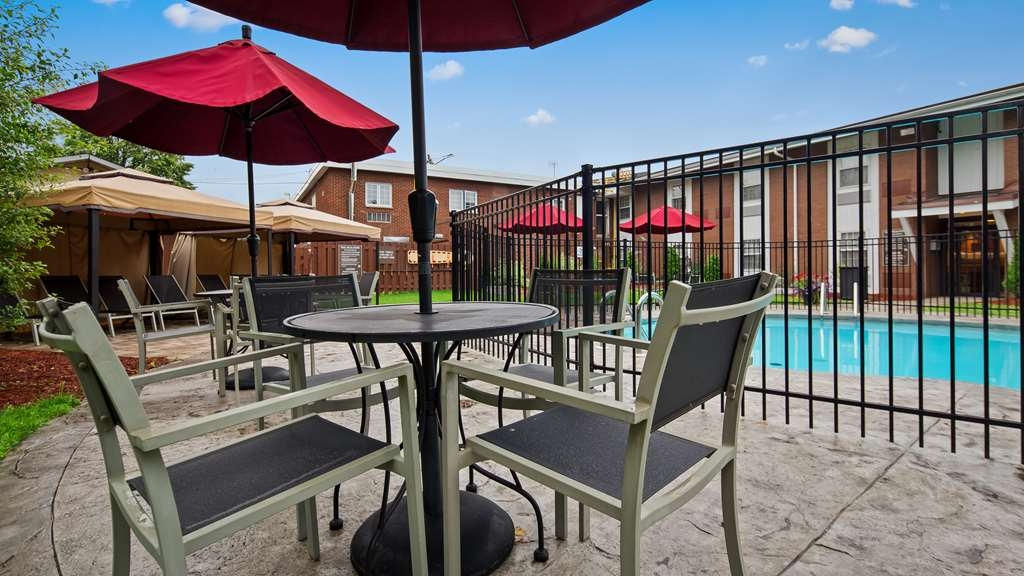 Best Western Parkway Inn & Conference Centre - Located in our beautifully landscaped courtyard, available to hotel guests only. Open June to September weather permitting.