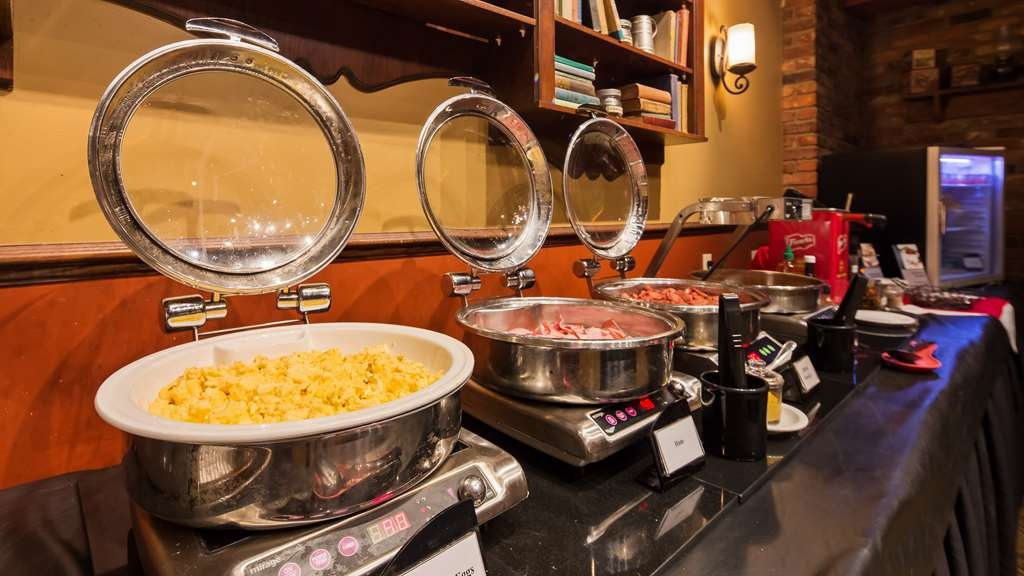 Best Western Parkway Inn & Conference Centre - Complimentary breafast buffet served daily from 6:30am to 9:30am