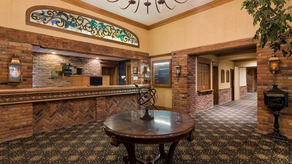 Best Western Parkway Inn & Conference Centre - Vue du lobby