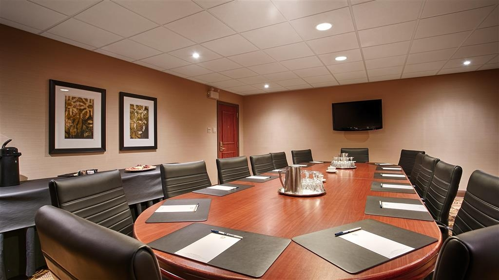 Best Western Parkway Inn & Conference Centre - Executive Boardroom